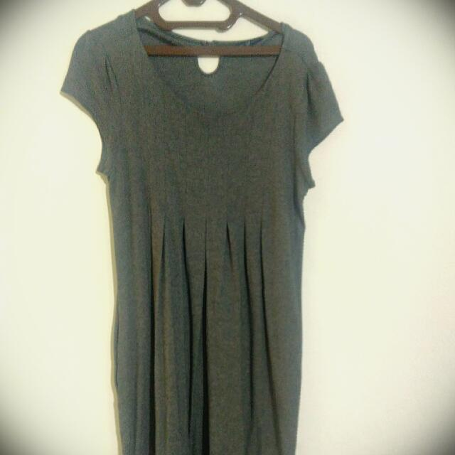 Knee length dress from GAP