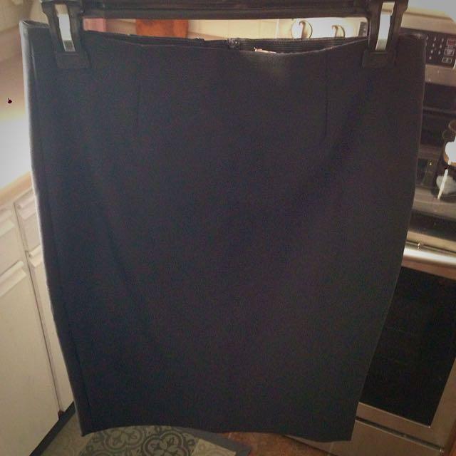 RW&Co Size 2 Pencil Skirt