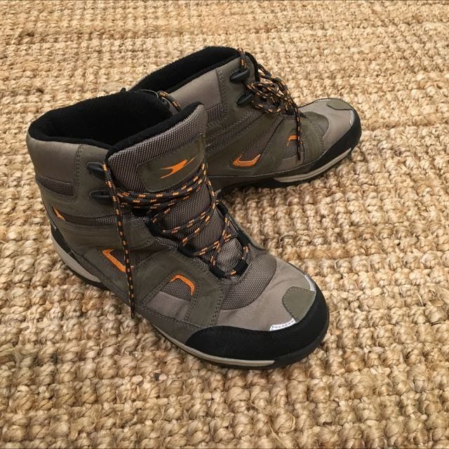 Snow Boots Size 9.5
