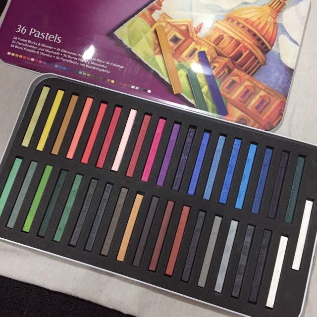 Soft Pastel Derwent 36 Colors