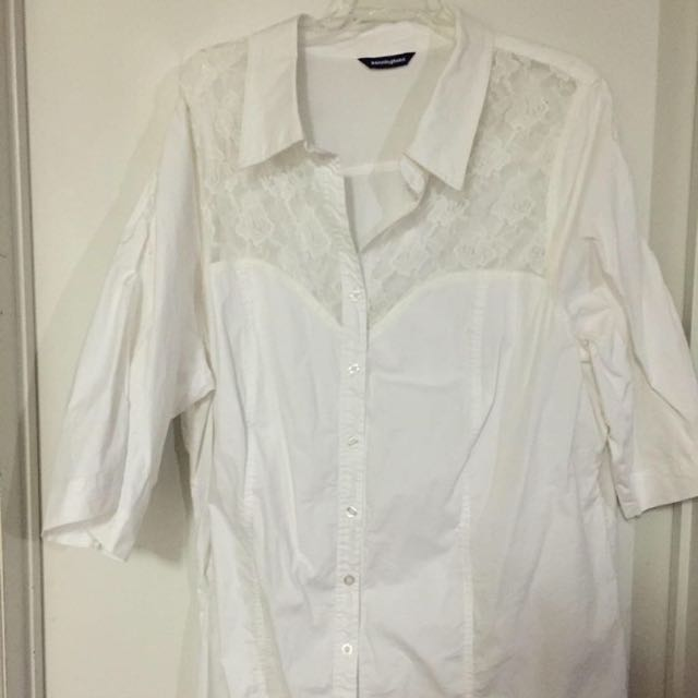 Woman's white blouse - SIZE 26 (4X) -