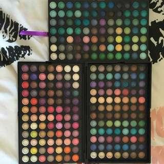 252 Eyeshadow Palette 🖲 PENDING PICKUP 🖲