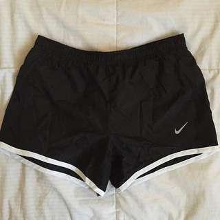 Nike shorts (xs-s)