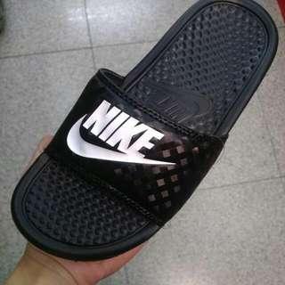 (全新)Nike 拖鞋