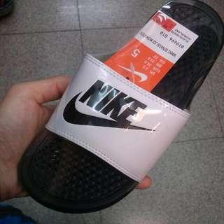 (全新)Nike 陰陽混色