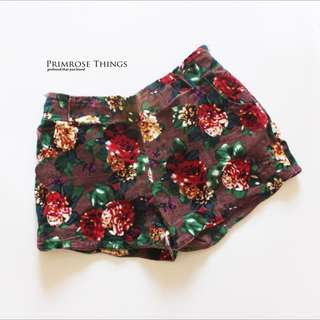 BROWN FLORAL SHORT PANTS
