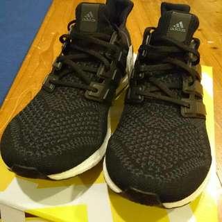 Adidas Ultra Boost 黑 白 灰