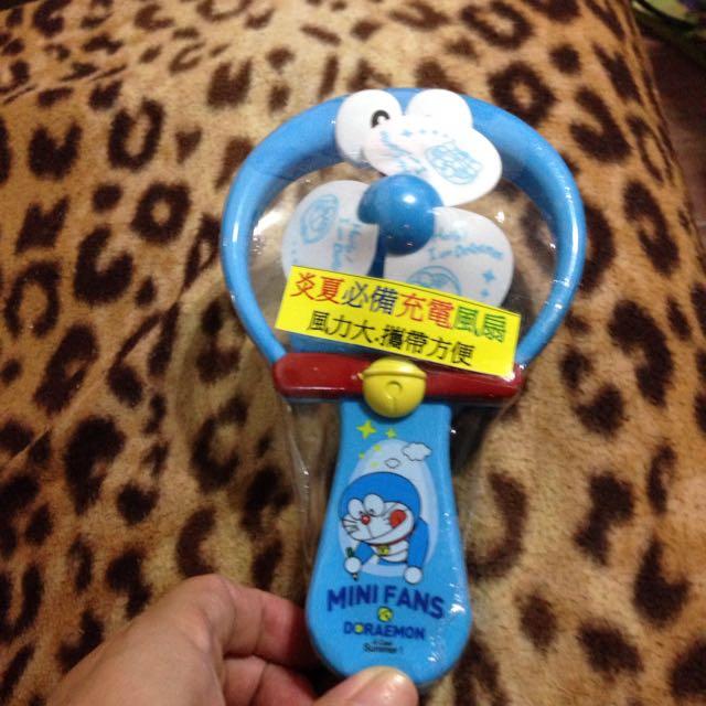 哆啦A夢充電式小電風扇