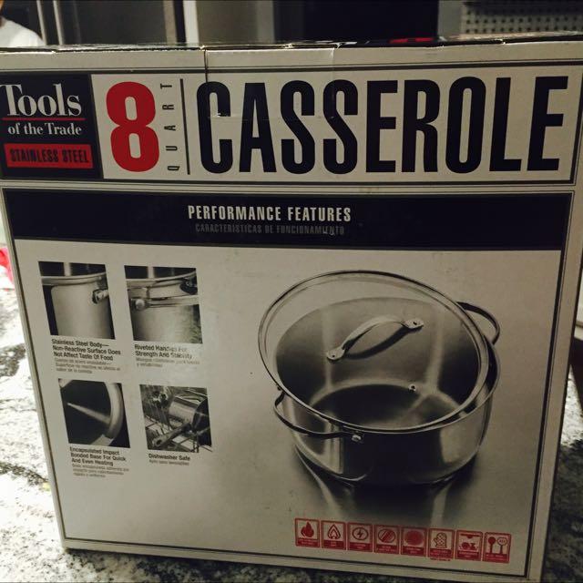 Brand New 8 Quart Casserole!!!!
