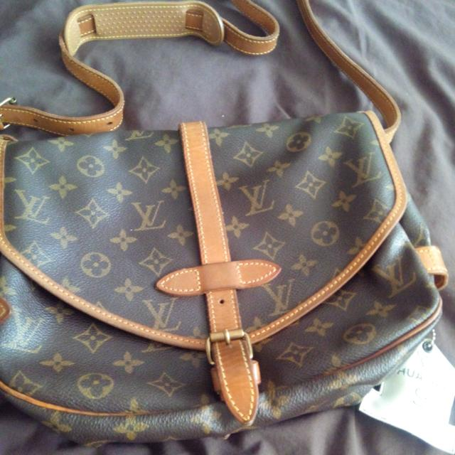 Original Louis Vuitton Samur 30, Cross Body. Very Nice Everyday Use And Great For Travel.