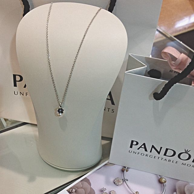 Pandora Pearl Flower Pendant And Chain
