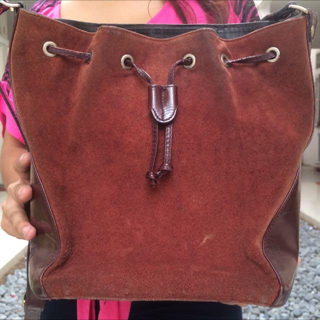Bucket Bag Leather Besar Carvela Coklat