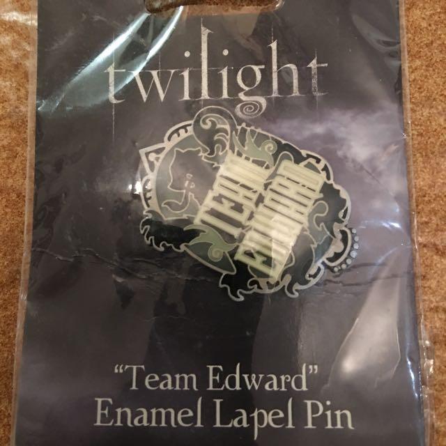 Twilight team Edward Enamel Lapel Pin