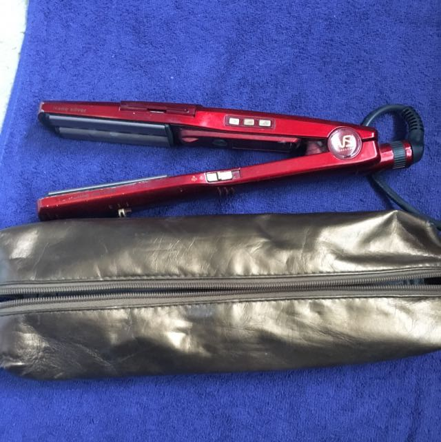 VS Sassoon Steam Straightener