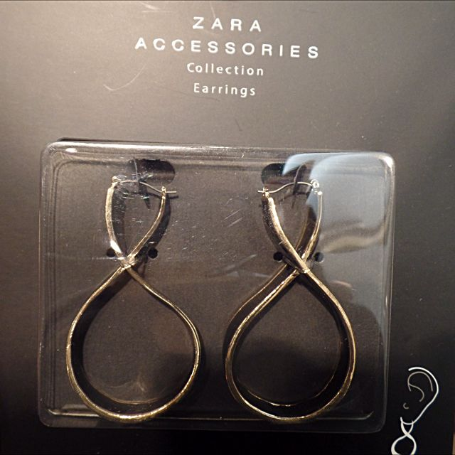 ZARA Black N Gold Earings