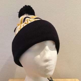DSL 55 beanie White Navy Yellow Brand New
