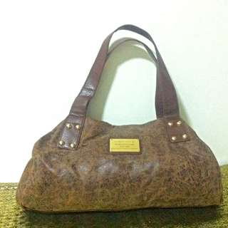 FLORSHEIM patented Distressed Leather Bag