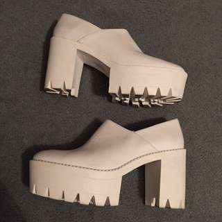 Tony Bianca imitation Stella McCartney Chunky Heels