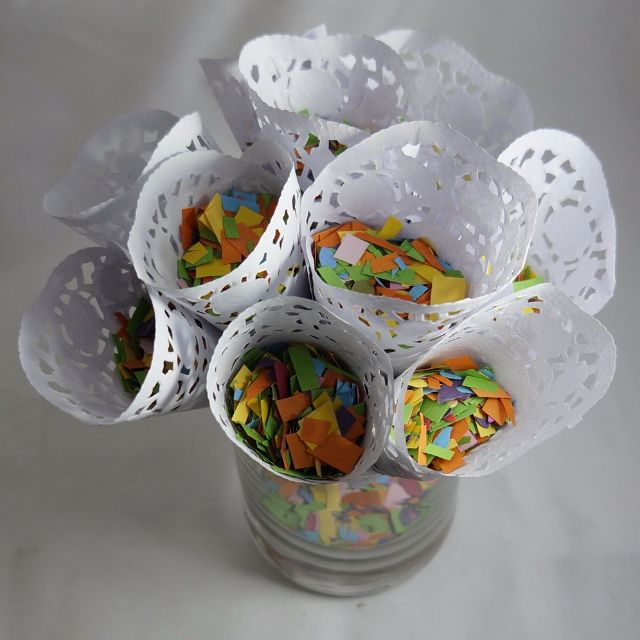 1 Confetti Bag & 10 Cones - Mixed Colours