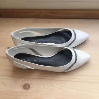 CHARLES&KEITH 白色平底淑女鞋