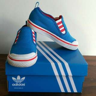 Boy sneaker/shoes - Blue Original Adidas Size US7