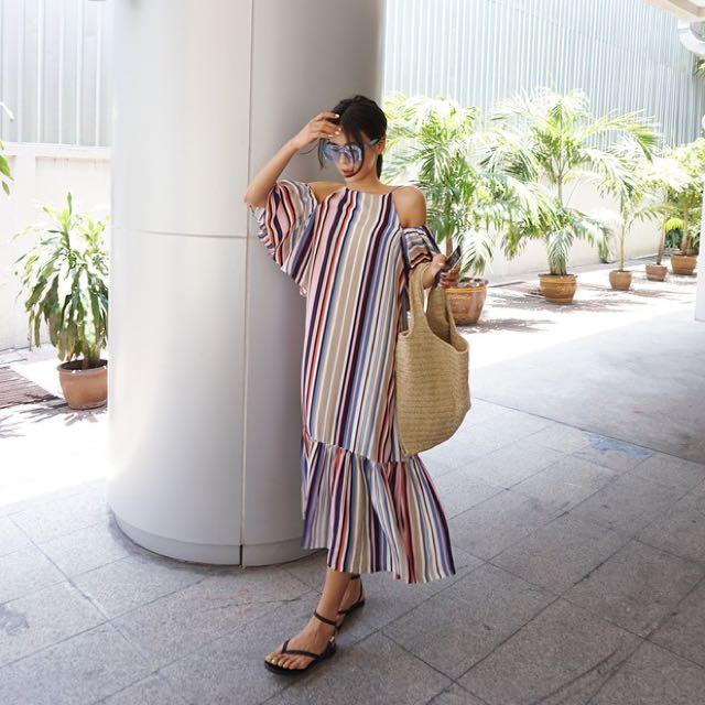 韓國代購東大門度假風彩色條紋露肩荷葉邊吊帶連衣裙長洋裝孕婦寬鬆寬袖金老佛爺