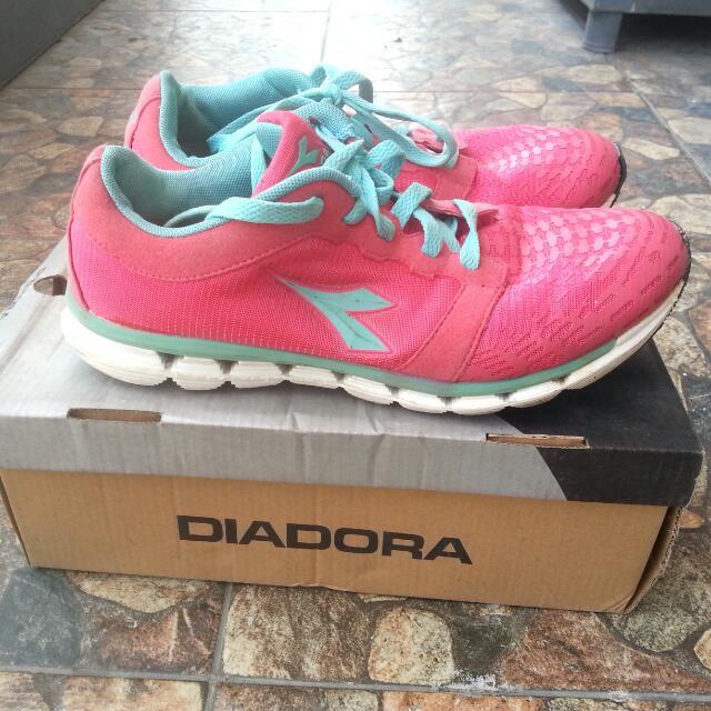 DIADORA: Running Shoes