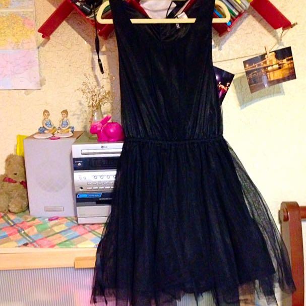 H&M黑色紗裙洋裝百搭必備