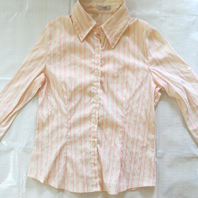 OL粉紅白絲襯衫