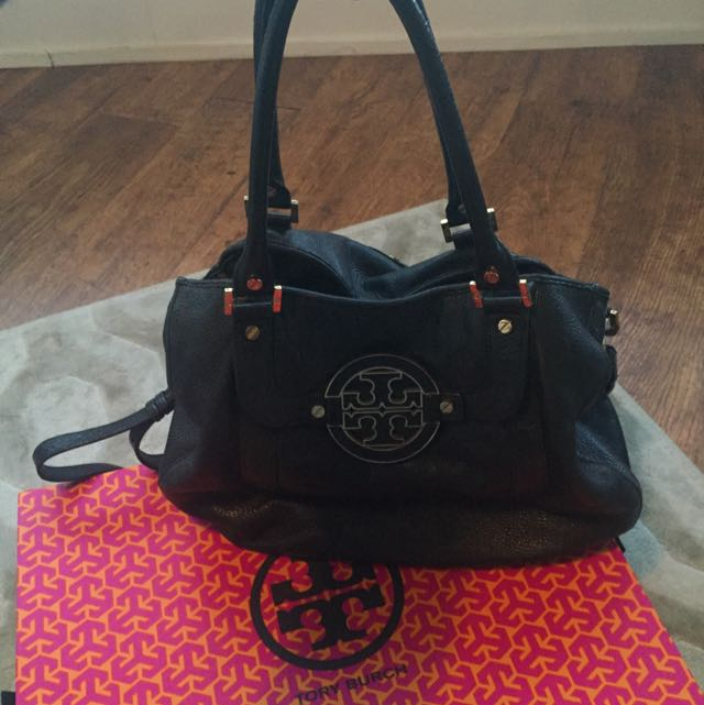 Tory Burch Leather Amanda Hobo Bag Large