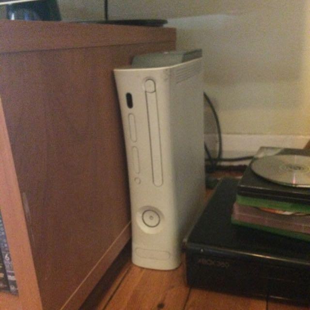 White Xbox 360