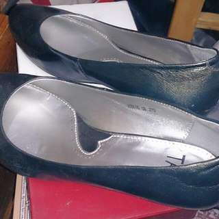 Tas 灰綠色低跟鞋