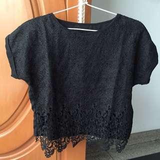 (SALE) Black Semi Crop Pattern Top