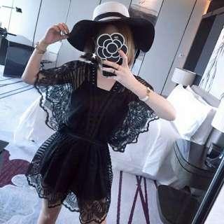 韓國精品鏤空蕾絲荷葉邊蝙蝠袖收腰洋裝
