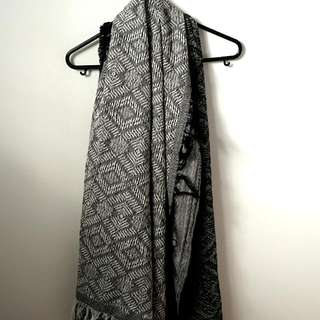 Thick Patterned Scarf From Esprit