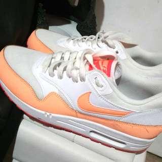 Peach And White Nike Air Maxes Size 9