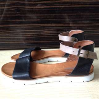 Trendy leather sandals from Spain