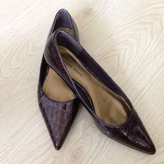 Brown faux crocodile kitten heels