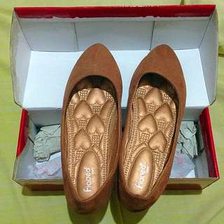 Fladeo Brown Flat Shoes