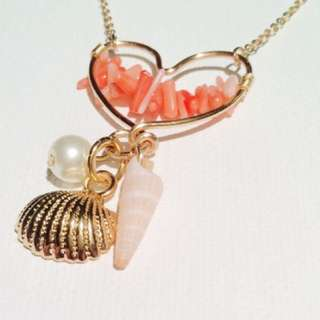 Gold Beach Wire Heart Necklace
