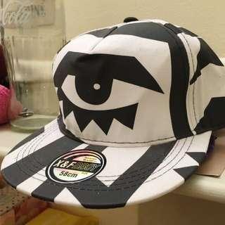 Hat: Black & White EYES