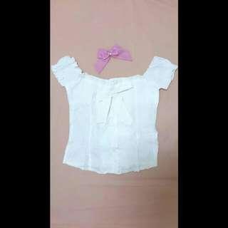 娃娃袖 蝴蝶結 點點 短版 衫 / 一字領