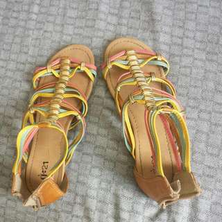 Giant tiger's sandals for girls