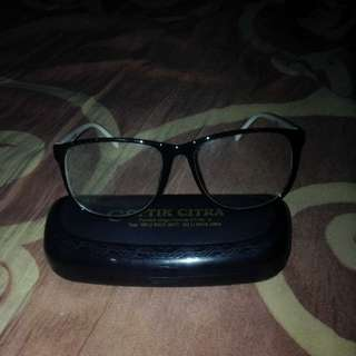 Glases ( Kacamata )