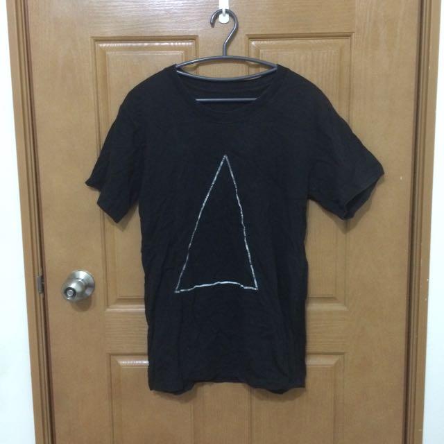 三角形黑色長版上衣