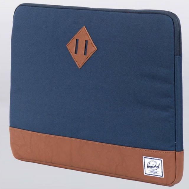 """Herschel Supply Co. Heritage 15"""" Laptop Sleeve - Navy"""