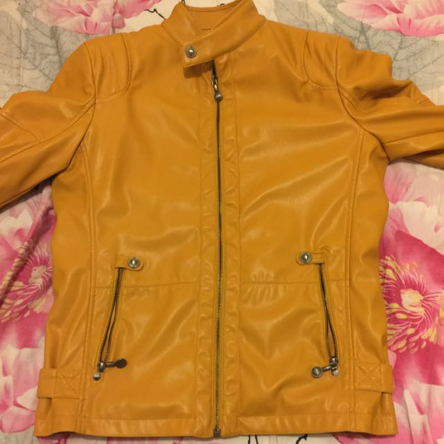 Hosiery Outlet Yellow Color M Size Designer Jacket