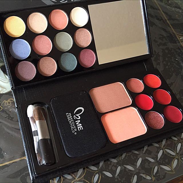 Makeover Essentials Beauty To Go
