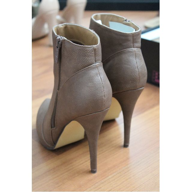 Michael Antonio Ankle Boots