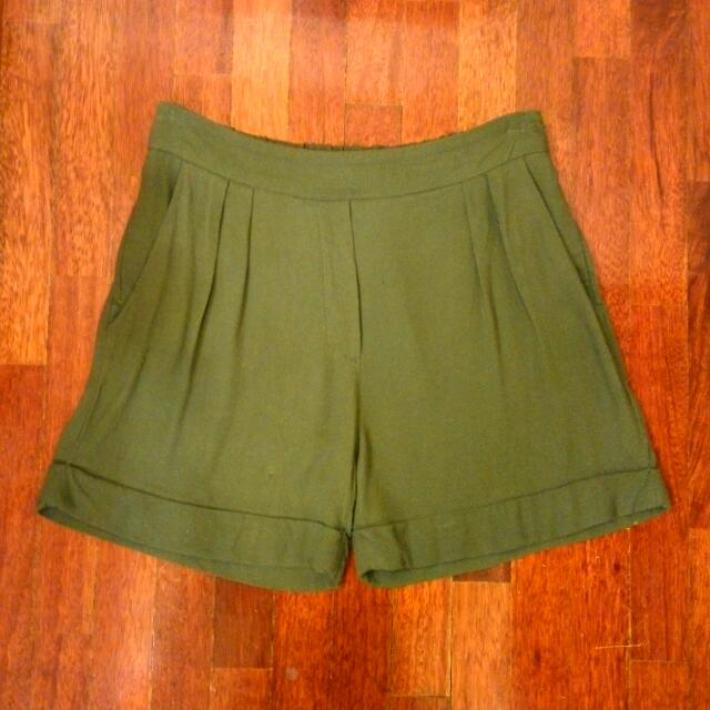 MNG Suit Military Green Shorts